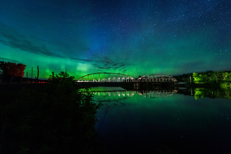 Northern Lights at the Cobban Bridge_052717_5089.jpg