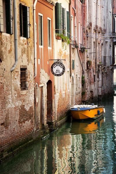 Getting-lost-in-Venice.jpg