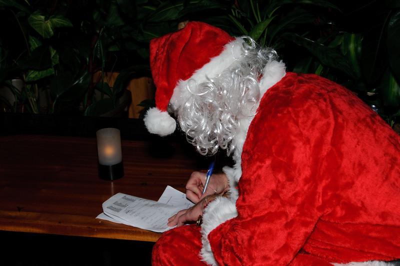 2009 ALS Santa Crawl-103.jpg