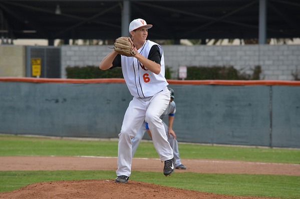 VC-Baseball_vs_Oxnard_031114