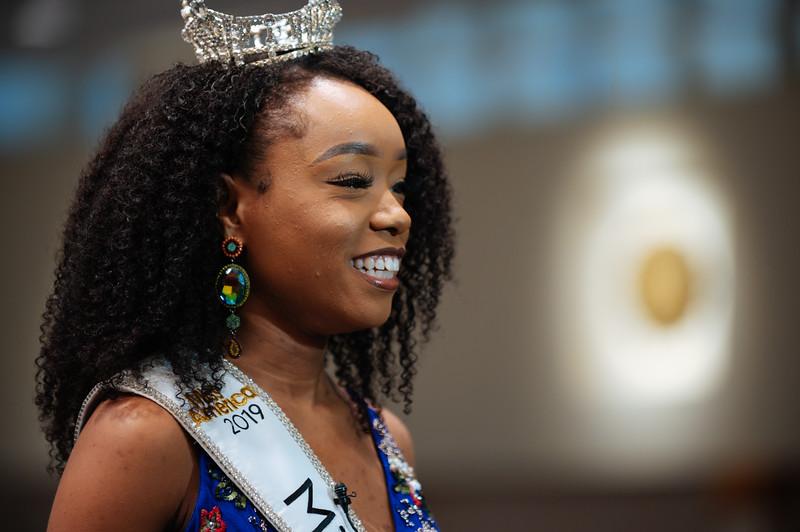 20191110_Miss Indiana Send Off-0115.jpg