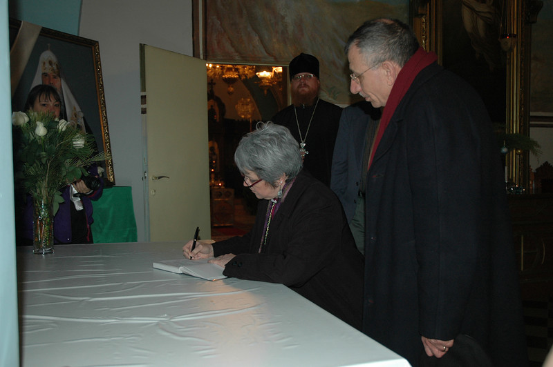 ELCIC National Bishop Susan Johnson signs a book of condolences in Jerusalem Jan. 12 in memory of His Holiness Alexei II,  Russian Orthodox Patriarch.