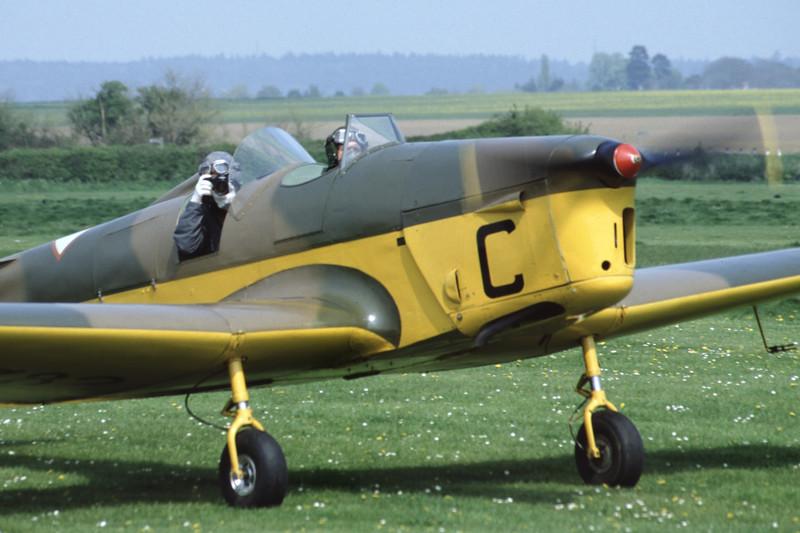 G-AJRS-MilesM14AHawkTrainer-RAF-EGTH-2001-05-10-JY-25-KBVPCollection.jpg