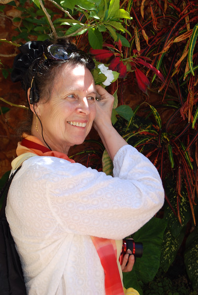Lee in the garden - Lou Tucciarone