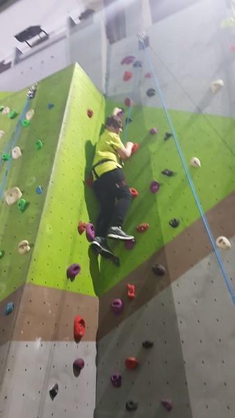 2018-12-18 Scouts Climbing