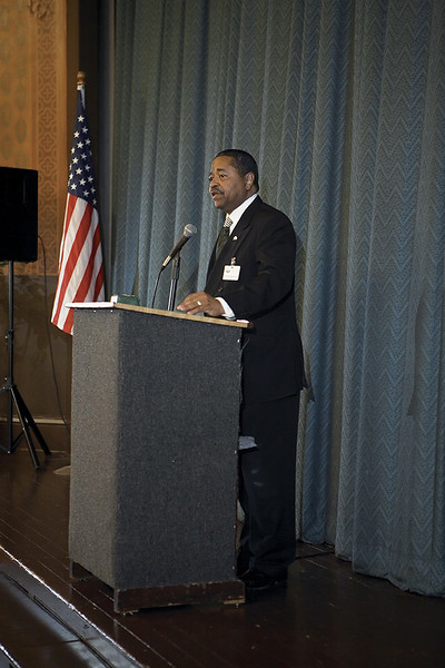 Dr.-Roderick-J.-McDavis-Speaking-To-The-Guests9416.jpg