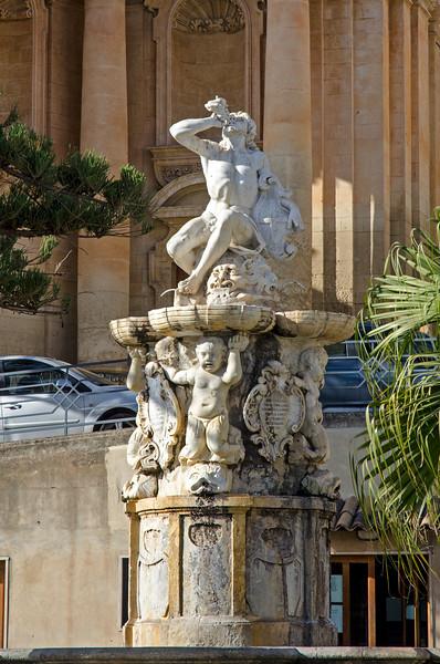 Noto statue
