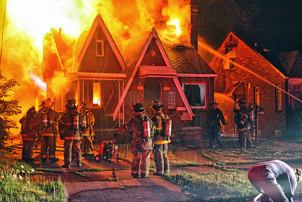 Detroit, MI - Box Alarm - 10005 Somerset - July 5, 2012