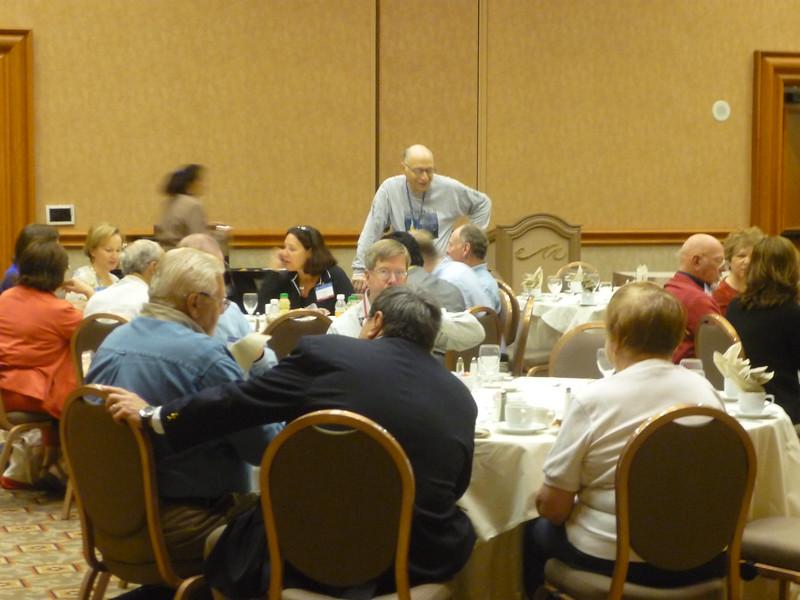 Members enjoy breakfast