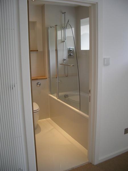 shower screen.JPG