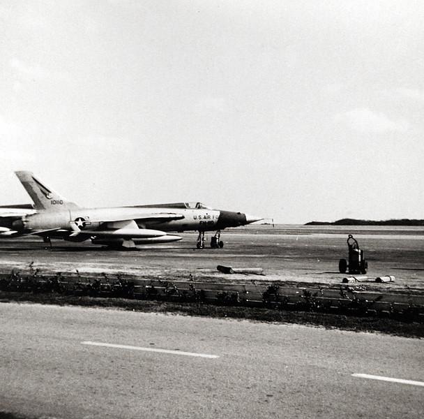 F105 at Air Force in Bermuda.JPG