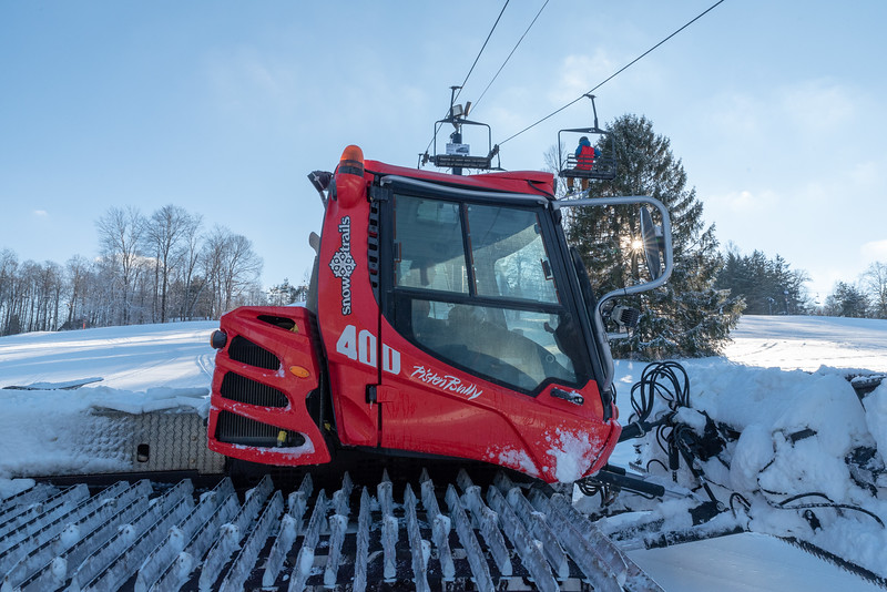 Opening-Day_12-7-18_Snow-Trails-70705.jpg