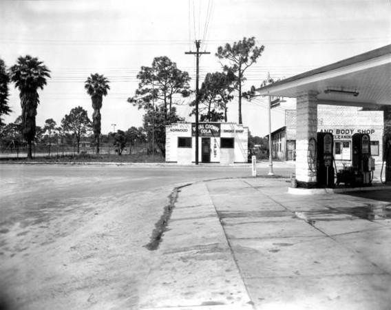 Norwood Smoke Shop-1949.jpg