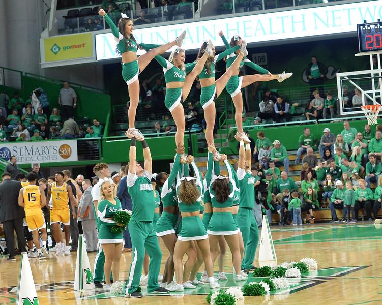 cheerleaders8887.jpg