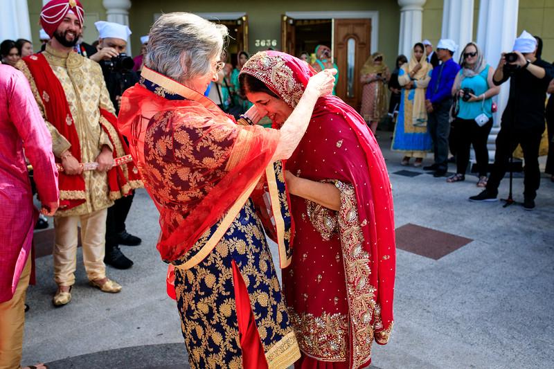Neelam_and_Matt_Gurdwara_Wedding-1288.jpg