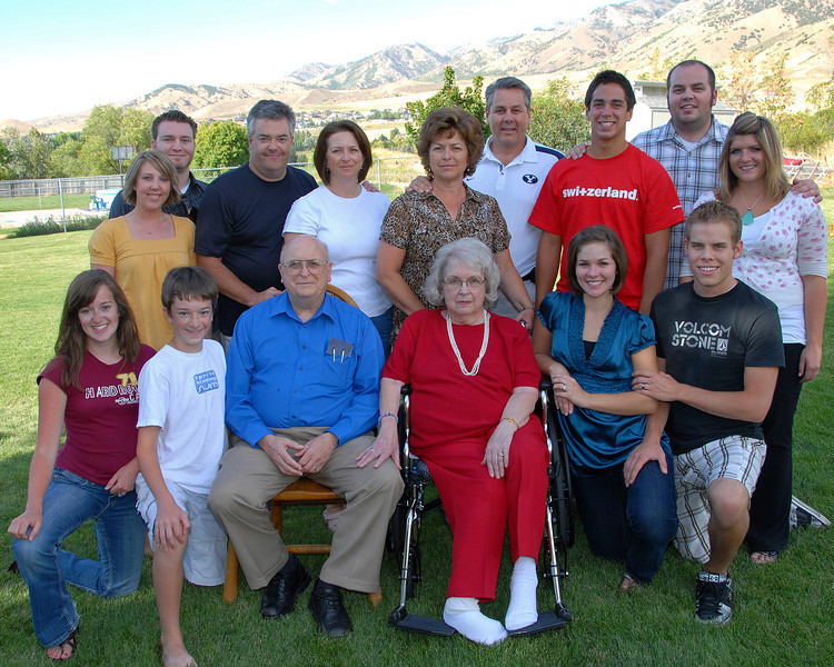 2011/11/14 – We spent the day making funeral plans for Lisa's mom. No real time or desire to try and shoot a photo, so I'm posting the last family photo we had everyone together. This was for her 80th birthday a little more than three years ago.