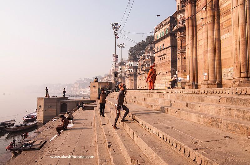 Varanasi-ShadusOnStairs.jpg