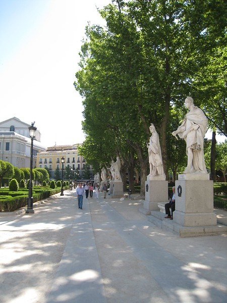 Opera courtyard 2