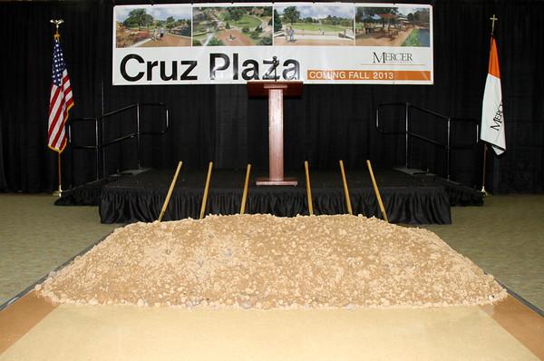 2012 Cruz Plaza Groundbreaking