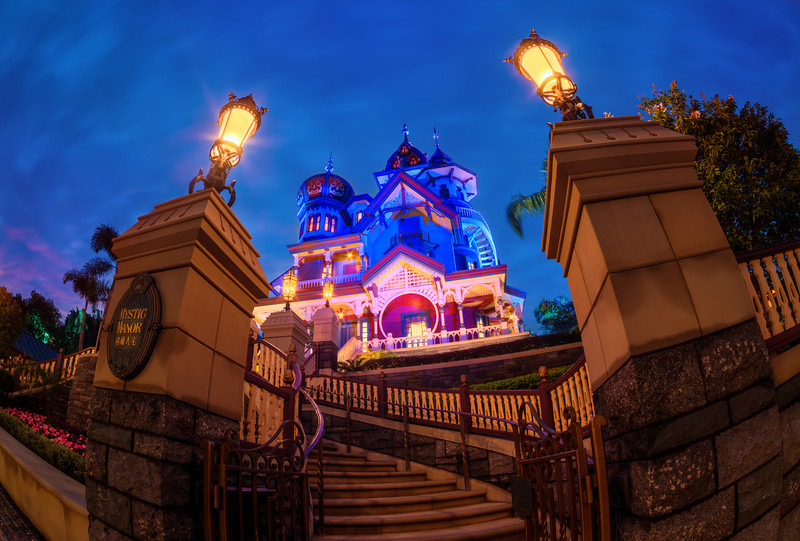 mystic-manor-fisheye-hong-kong-disneyland.jpg