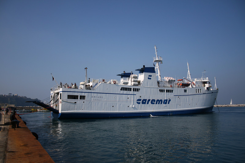 2008 - F/B DRIADE arriving to Procida.