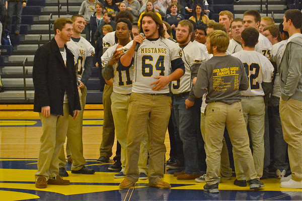 Mustang's Semi-Final Pep Rally