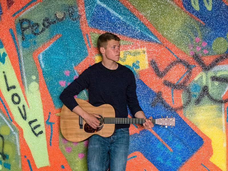 Andrew-Guitar-Rubber-bowl-inside-graffiti6.jpg