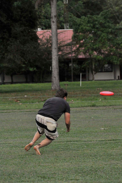 042409Ultimate Frisbee @ EARTH102.jpg