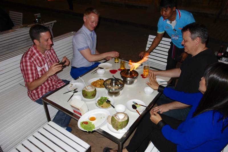 Eating at Restaurant Mum Aroi with Jiji, Lasse, Stuart, Søren and Frank