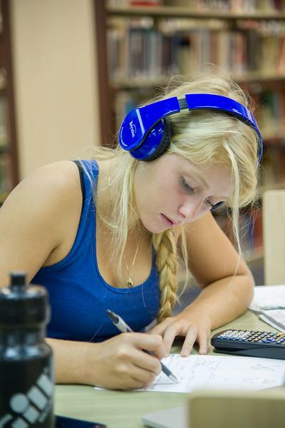 Student Chloe Childs reveiws for her Physic II exam.