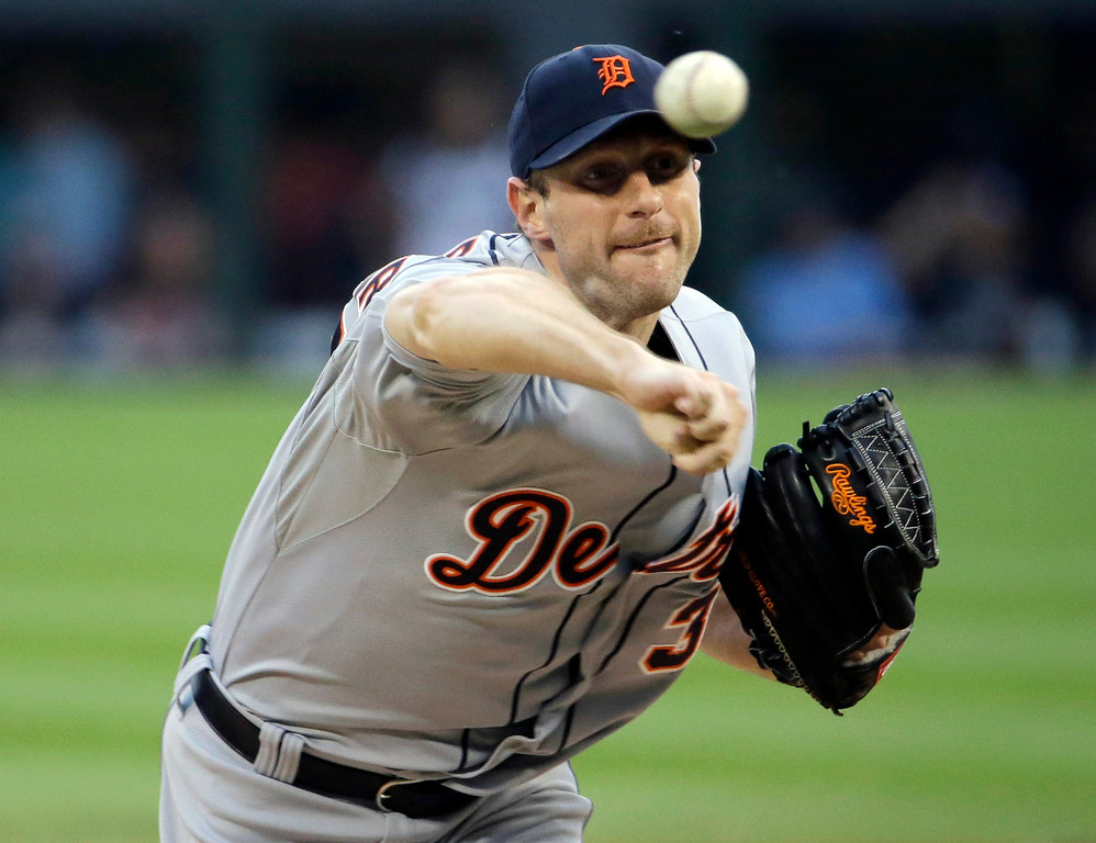 . Detroit Tigers starter Max Scherzer throws against the Chicago White Sox during the first inning of a baseball game in Chicago, Thursday, June 12, 2014. (AP Photo/Nam Y. Huh)