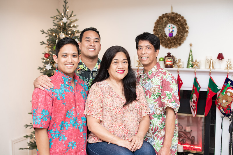 Hawaii - Christmas Family Photos-66.jpg