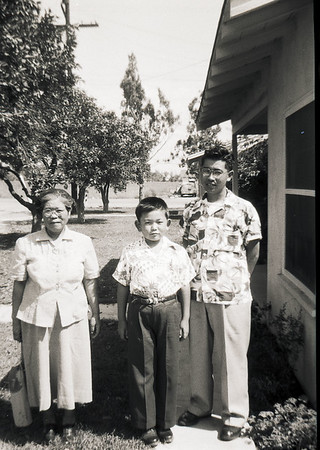 013 M - Southland Sept 1952 LA County Fair Nakai Mom Pop Ta