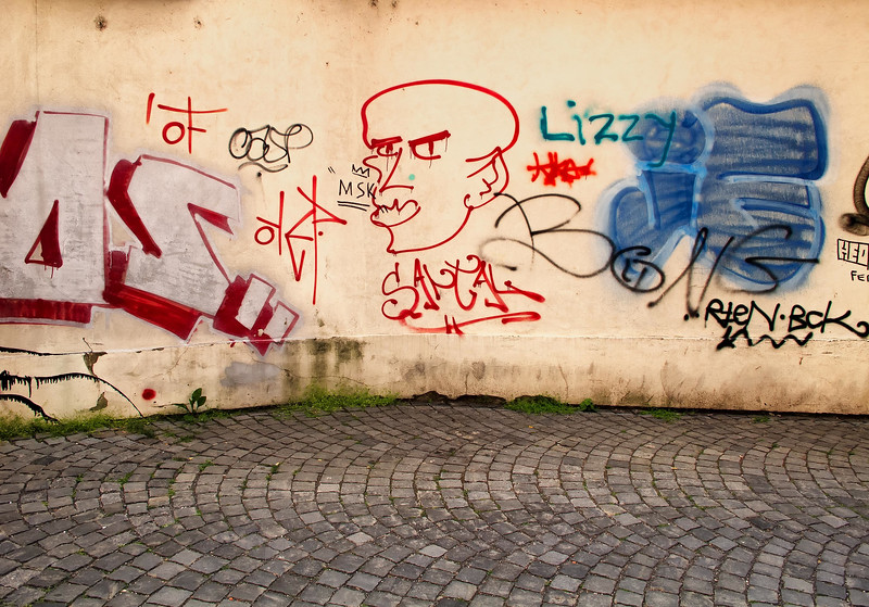 12-06Jun-Prague-Graffitti-19.jpg