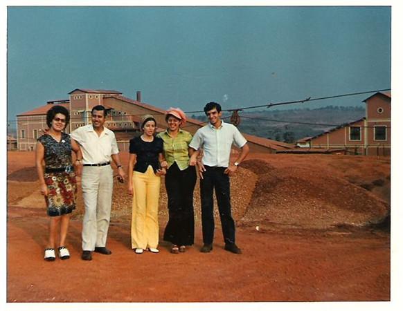 Estação de Escolha do MD2 de Andrada  Casal Josefa, Ana Maria e cunhados
