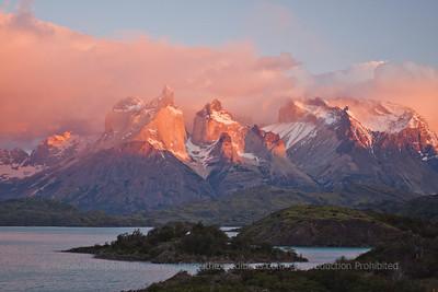 Torres del Paine Explorer