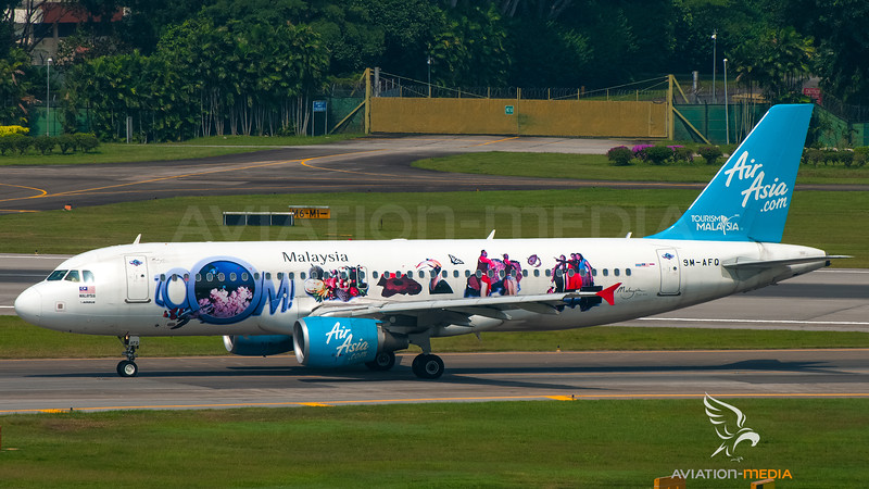 Air Asia Malaysia Airbus A320 9M-AFQ (Zoom livery)