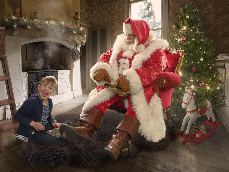 CelebEdit_Hudson_Adelaide_Christmas-Room_ColinSmith_webres.jpg