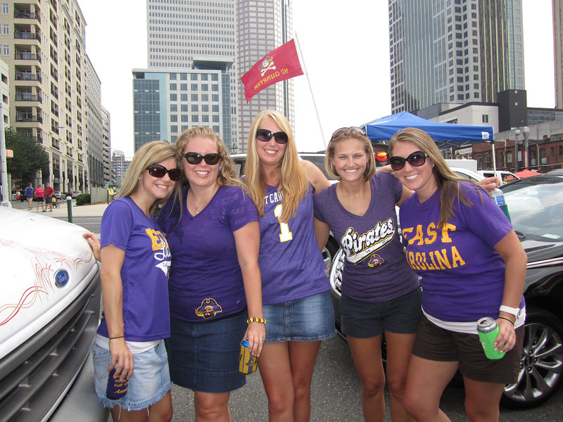 9/3/2011 ECU vs South Carolina  Jen, Lauren, Staci, Stephanie, Laura Ashley