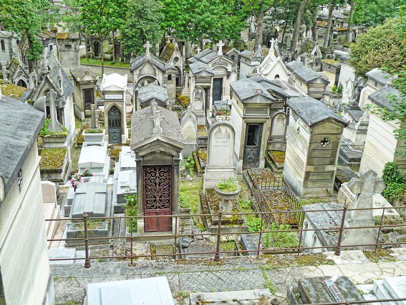 du Pere Lachaise Cemetery.jpg