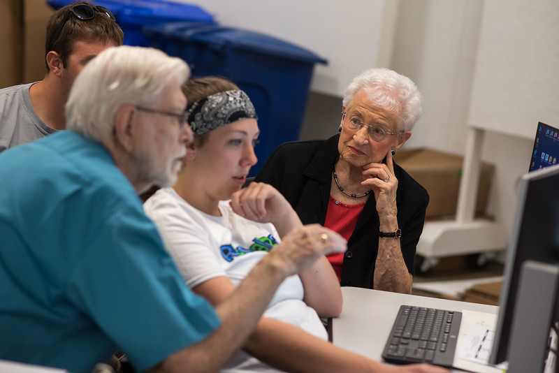 September 06, 2018Students working with Tenants DSC_0172.jpg