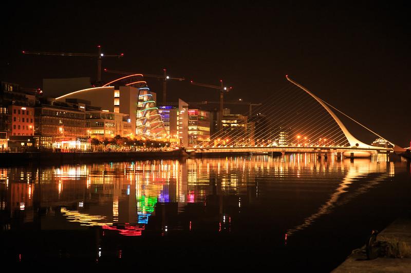 Samuel Becket Bridge with reflection