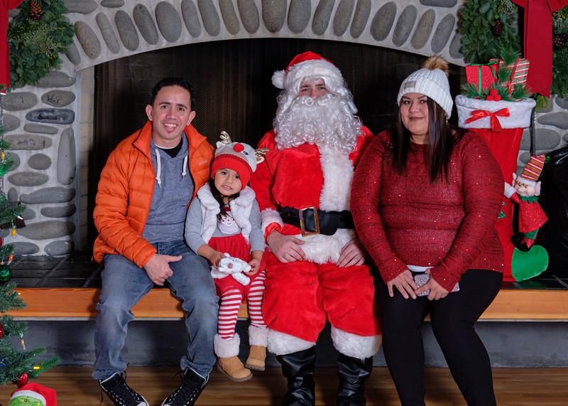 CB Santa 2019-7784.jpg