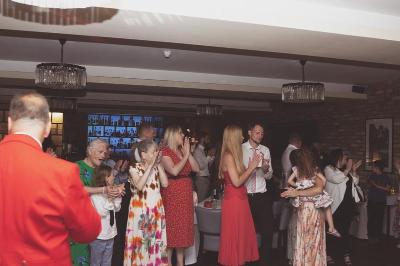 Sam_and_Louisa_wedding_great_hallingbury_manor_hotel_ben_savell_photography-0269.jpg