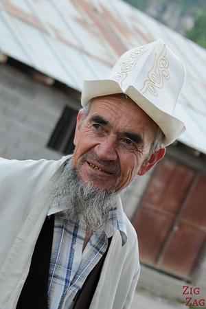 Portrait Kyrgyzstan: men in Arslanbob 6