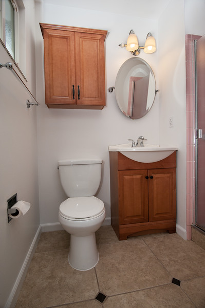 bathroom (1 of 1).jpg