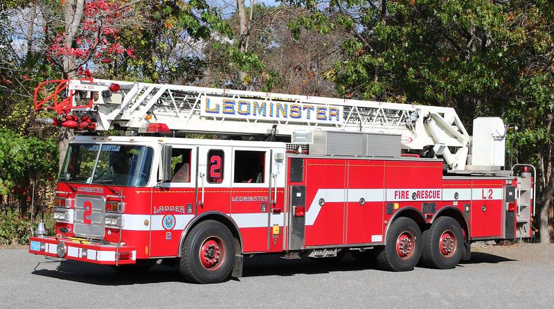 Ladder 2   2003   Pierce 105' RM