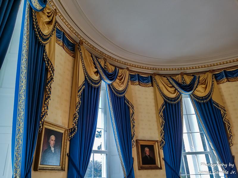 White-House-Tour-120100.jpg