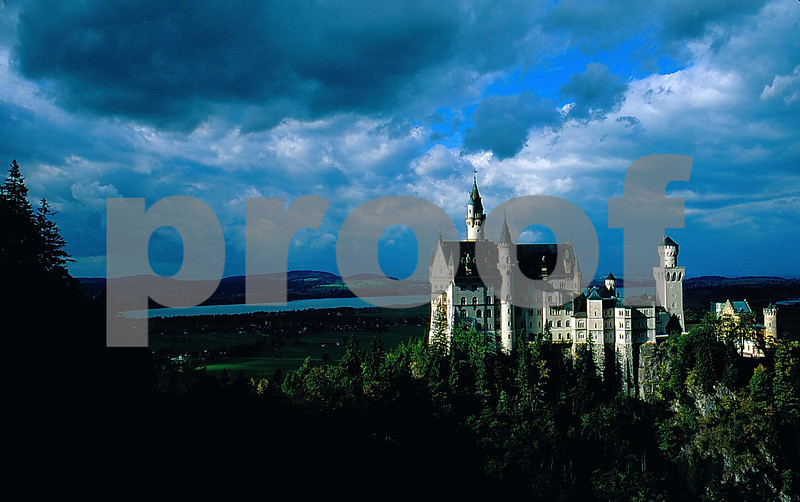 New Schwanstein Clouds & castle.jpg