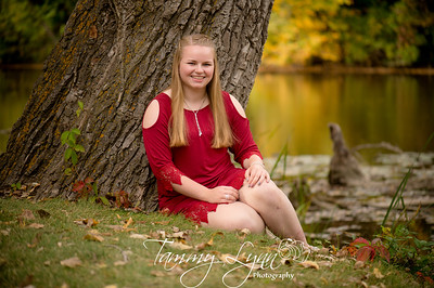 Savanna Senior Photos